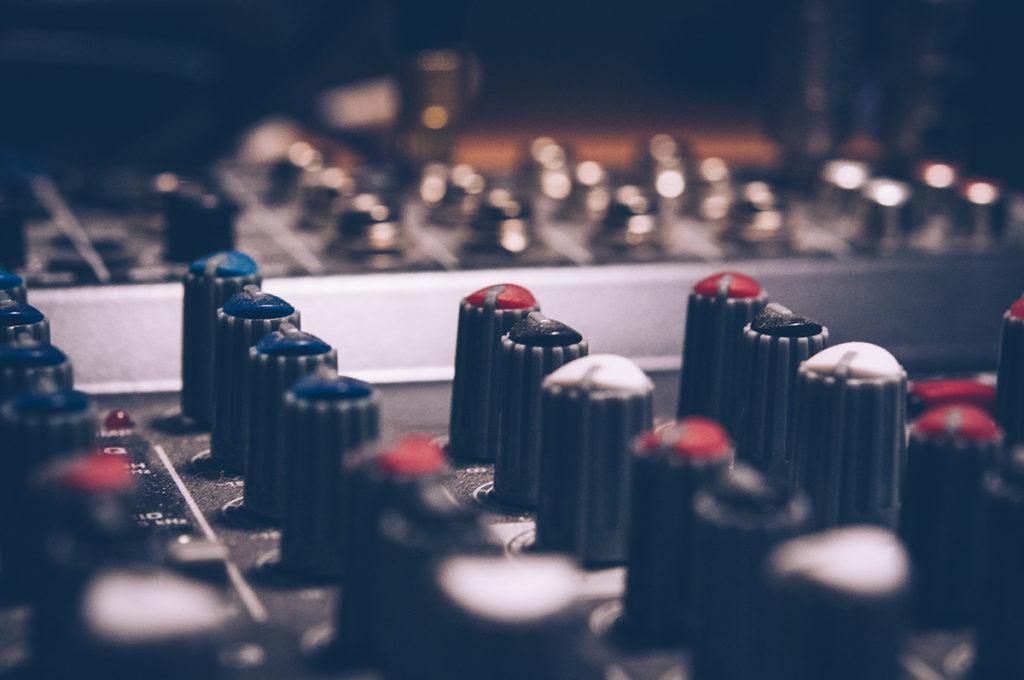 Analog mixer